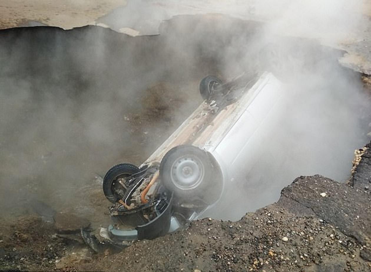 Hombre de 3 metros cae en una trampa hacia poso en caminera de Sauce